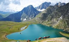 So much beauty in India, and all Indians think about is going abroad for vacations. Maybe it's just the easy accessibility... We all need something to boast about right? :P