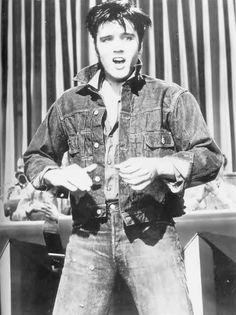 """Elvis Presley """"Loving You"""" 1957 Elvis Presley Movies, Elvis Presley Photos, Lund, Rock And Roll, Burning Love, 2 Movie, Graceland, American Singers, In Hollywood"""