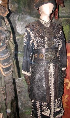 Elizabeth's Chinese Pirate Outfit - The Costumer's Guide to Movie Costumes