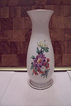 White Porcelain Floral Decorated Footed Bud Vase