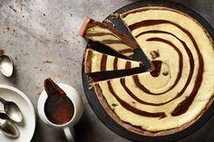 Dvoubarevný tvarohový koláč Pancake Muffins, Lidl, Yams, Doughnuts, Cheesecakes, Sweet Recipes, Waffles, Sweets, Candy