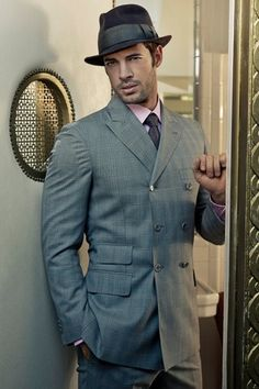 William Levy is an Cuban-American actor and former model. William Levi, Mens Fashion Suits, Mens Suits, Men's Fashion, Fashion Ideas, Fashion Photography Inspiration, Classy Men, Sharp Dressed Man, Outfits With Hats