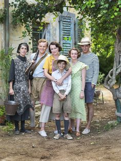 Louisa Durrell, Larry (Lawrence) Durrell, Leslie Durrell, Margo Durrell, Gerald Durrell and their maid Lugaretzia in this image Movies Showing, Movies And Tv Shows, The Durrells In Corfu, Gerald Durrell, Big Drama, Drama Tv Series, Frida Art, Masterpiece Theater, Cinema