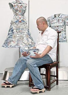 Li Xiaofeng (45), nasceu em Hubei - China. Suas esculturas são em porcelana da Dinastia Ming.
