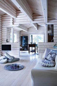 6 cozy cabin decor ideas for a winter getaway. Domino rounds-up cozy cabin inspiration from small cabins in Wisconsin, Missouri, Dunton Hot Springs and Ralph Lauren's Colorado Ranch! For more cottage, cabin and celebrity style go to Domino. Scandinavian Style, Scandinavian Interior Design, Nordic Design, Modern Interior, Modern Log Cabins, Cabin Interiors, Bedroom Interiors, White Interiors, Log Cabin Homes