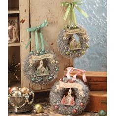 Vintage Jewelry Repurposed Share in the joy of the season with these perfectly Pastel Tinsel Wreaths. Each wreath comes adorned with pastel baubles and a sweet glitter church. Vintage Christmas Crafts, Retro Christmas, Xmas Crafts, Vintage Ornaments, Shabby Chic Christmas Ornaments, Cheap Christmas, Wooden Ornaments, Party Crafts, Adult Crafts