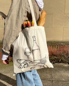 Diy Tote Bag, Reusable Tote Bags, Diy Bag Designs, Beige Aesthetic, Summer Hats, Cloth Bags, Aesthetic Clothes, Diy Fashion, Paris Baguette