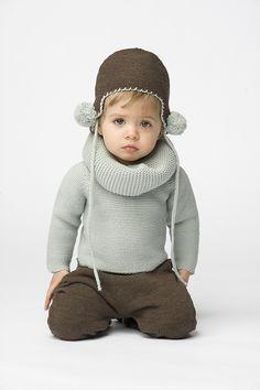 Look para bebé compuesto por un jersey de punto azul 19c82f0a2a4