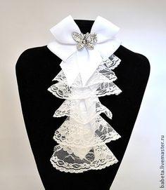 """Воротнички ручной работы. Ярмарка Мастеров - ручная работа Жабо-галстук """"Воздушное облако"""" из лент и кружева с брошью. Handmade."""