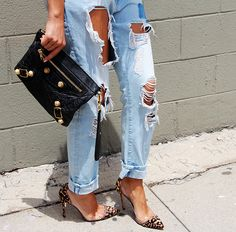 love these jeans and mix of accessories
