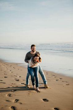 Engagement shoot in Costa da Caparica // Beach engagement shoot // Helena Tomas Photography