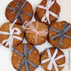 A yummy, healthy and easy option to make ahead of time for bake sales. Autumn Activities, Activities For Kids, Around The World Crafts For Kids, Anzac Biscuits, Anzac Day, Australia Day, Biscuit Recipe, Bake Sale, Egg Free