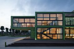 Shipping Container Architecture: Tony's Farm