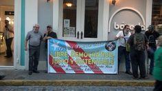 Partido nacionalista de PR presente en pie de lucha NO A LA VENTA DEL AEROPUERTO #LMM DE PUERTO RICO pic.twitter.com/0QfPDR1Y