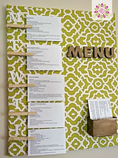 Meal Plan Organizer: Need a one-stop-place to organize your meals for the week? Make a menu board!  This and more spring cleaning tips on this awesome site! #HTCleanSpring
