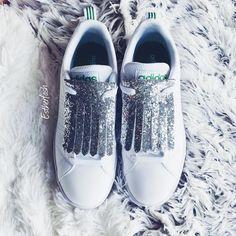 Fringes op adidas sneakers