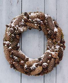 Unique Wreath Ideas For Christmas Decor - http://ideasforho.me/unique-wreath-ideas-for-christmas-decor/ - Christmas Kitchen Decorating Ideas  #Christmas #GermanChristmasStore #Xmas