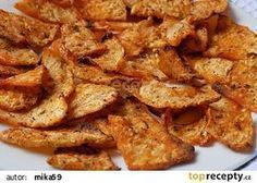 Celerové chipsy z trouby recept - TopRecepty.cz Vegetable Recipes, Vegetarian Recipes, Healthy Recipes, Healthy Cooking, Healthy Snacks, Czech Recipes, Ethnic Recipes, Home Food, Cooking Light