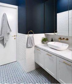 Top 50 Best Blue Bathroom Ideas & Navy Themed Interior Designs > > Top 50 Best Blue Bathroom Ideas – Navy Themed Interior DesignsTop 50 Best Blue Bathroom Ideas – Navy Themed Interior DesignsBlue has l Blue Bathrooms Designs, Navy Blue Bathrooms, Navy Bathroom, Mold In Bathroom, Rustic Bathroom Decor, Family Bathroom, Bathroom Renos, Bathroom Interior Design, Bathroom Furniture