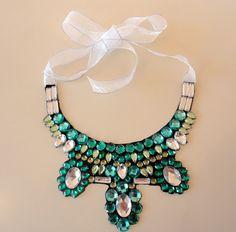 Hora de Diva: Passo-a-passo Maxi colar verde.