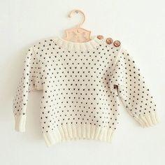 Svends Sweater - Sømandstrøje med knapper i skulderen - Størrelser fra 50/56 op til 110/116 - Strikkeopskrift på dansk