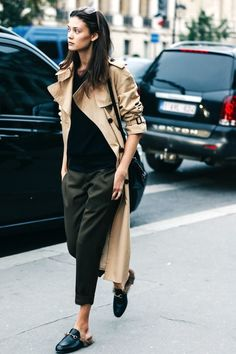 Model-Off-Duty Style: A Fresh Way To Style A Trench Coat For Spring