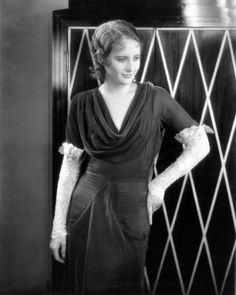 Barbara Stanwyck in the Movie Illicit Photo Hollywood Walk Of Fame, Golden Age Of Hollywood, Hollywood Glamour, Hollywood Actresses, Old Hollywood, Actors & Actresses, Hollywood Icons, Barbara Stanwyck, The Lady Eve