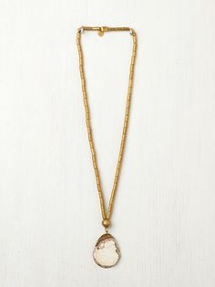 De Petra Magasite Pendant http://www.freepeople.com/whats-new/magasite-pendant/