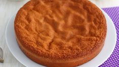 For all your layer cakes and other Victoria cakes, here is a simple recipe of sponge cake, actually coming from Italy and called Pan di spagna. Baking Recipes Uk, Dessert Recipes, Food Cakes, Cake Videos, Food Videos, Condensed Milk Cake, Biscuit Cake, Victoria Cakes, Homemade Cake Recipes