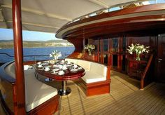 yacht dining al fresco Boat Stuff, Waterfront Homes, Coastal Cottage, West Indies, Poker Table, Travel Style, Deck, Mansions, Architecture