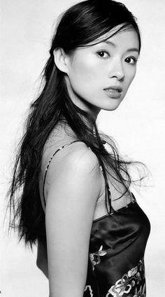 Beautiful Zhang Ziyi - I wonder if she's still acting anymore Beautiful Asian Women, Beautiful People, Zhang Ziyi, Jolie Photo, Chinese Actress, Hollywood Celebrities, Asian Celebrities, Beautiful Actresses, Asian Woman