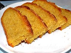 Mısır ekmeği Karadeniz bölgesinde en çok hazırlanan ekmeklerden bir tanesidir. Piştiği zaman sıcacık lezzetiyle tüm yemeklerin yanında kolaylıkla yenmektedir. Turkish Recipes, Ethnic Recipes, Homemade Beauty Products, Cooking With Kids, How To Make Bread, Pain, Cornbread, Sandwiches, Bakery
