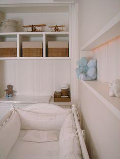 Projeto de reforma e decoração de quarto de bebê, em apartamento localizado no Morumbi, em São Paulo - SP, pela Asenne Arquitetura.
