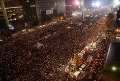 11월 19일, 서울 광화문을 비롯해 대구, 광주, 대전, 부산 등 전국 16개 지역에서 촛불집회가 열렸다. 경찰이 4차 촛불집회와 관련해 집회·시위 및 행