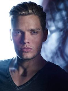 Dominic Sherwood this guy is scorching hot!!!