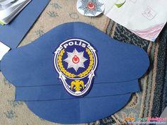 Polis şapka ve rozeti