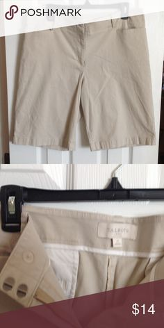 Talbots Size 14 beige knee length shorts Very nice shorts.   Beige. Talbots Shorts Skorts