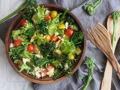 Broccolinisalaatti varsiparsakaali