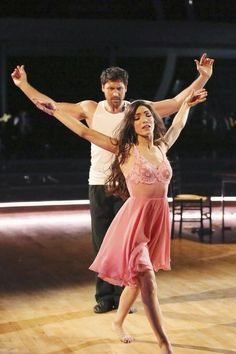 Maks Chmerkovskiy & Meryl Davis   -  Dancing With the Stars  -  week 8  -  Season 18  -  Spring 2014