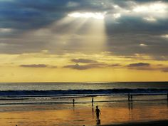 Pantai di Bantul..  http://blog.pergi.com/5-pantai-terindah-di-bantul-yang-wajib-kamu-kunjungi/