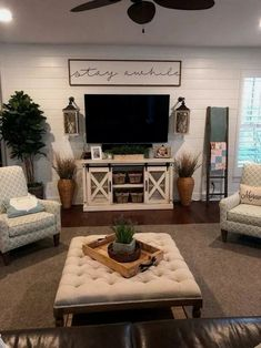 If you are looking for Farmhouse Living Room Tv Stand Design Ideas, You come to the right place. Here are the Farmhouse Living Room Tv Stand . Home Interior, Living Room Interior, Interior Design, Simple Interior, Interior Livingroom, Interior Paint, Luxury Interior, Kitchen Interior, Interior Styling