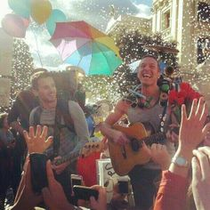 Coldplay sky full of stars- this music video was awesome!!