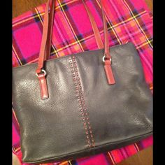 FOSSIL LEATHER PURSE PRICE DROP Black and Brown Leather Purse. this is in very good condition. FOSSIL Bags Totes