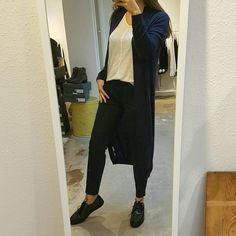 We #love the look! 💙  Vest YaYa  Shirt YaYa  Broek YaYa  Schoenen Via Vai   #vollers386 #style #stijl #eigenstijl #pantalon #vest #schoenen #shoes #collegestyle #kleding #mode #fashion #blue #feelgood #friday #vrijdag #mooi #lifestyle #utrecht #oudegracht #outfit #lovethelook #winkelinutrecht #voeljegoed #happy #yaya #viavai