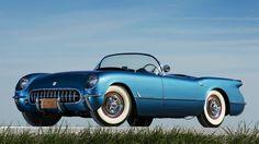 1953 год, Chevrolet Corvette первого поколения (С1). Интересно, что октябрьский выпуск журнала Poplular Mechanics за 1954 год был полностью посвящен «Корветтам» и их владельцам.