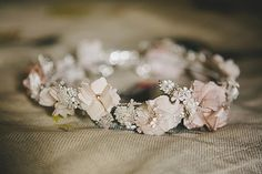 Silk flower & diamante bridal headpiece | Photography by http://thetwinsweddings.co.uk/