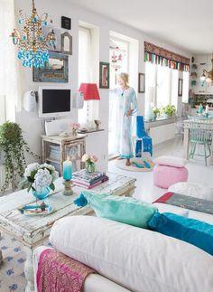Fascinante salón colorista estilo BohoChic.