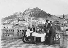 a group of people relaxing around a table on the roof terrace of the German Archaeological Institute (DAI) building in Athens was recently released by the Institute. Athens History, Greece History, Rare Photos, Vintage Photos, Old Time Photos, People Sitting, Athens Greece, Yesterday And Today, Countries Of The World