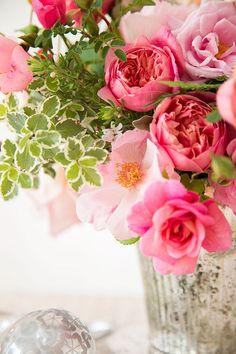 Pretty pink peony arrangement via    R o s e n o t e s  #peony #pink #flowerarrangement