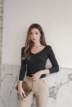 Asian Fashion, Girl Fashion, Fashion Outfits, Modern Outfits, Beautiful Asian Women, Fashion Gallery, Asian Woman, Fitness Fashion, Beauty Women